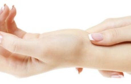 איך להקל על כאבים בשורש כף היד | תסמונת התעלה הקרפלית