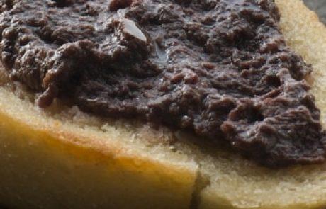 טפנד | ממרח זיתים שחורים, ממרח זיתים ירוקים – מהיר וקל להכנה